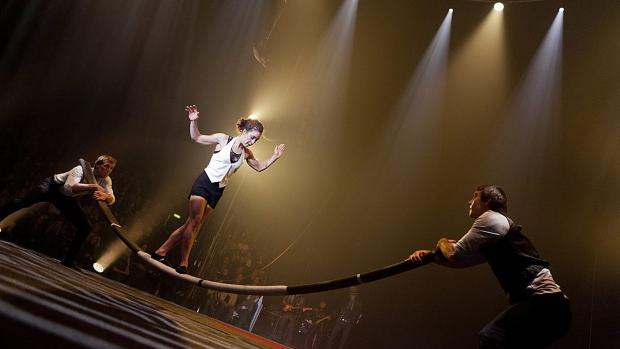 Cirk La Putyka uvádí Barcode Circus Company